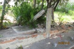 Ruínas do muro da casa do Zezinho e Inês na rua José Carlos Pace ao lado da igreja Católica (1)